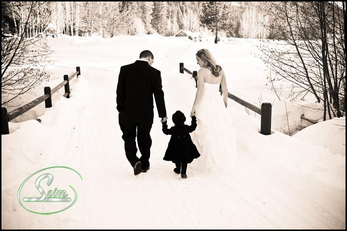 Heidi & Bryans wedding near Leavenworth at Mountain Springs Lodge wedding photography