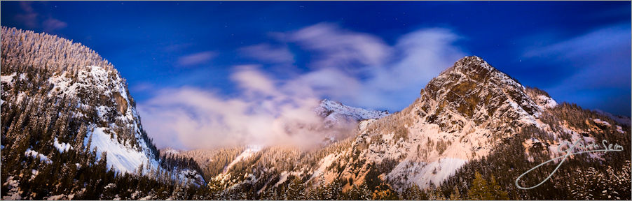 Whispering_Peaks_snoqualmie_pass_photo